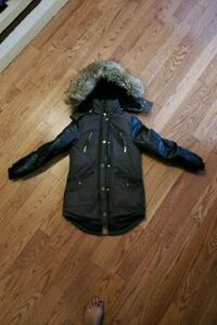 Girls size 10/12 Winter jacket  Brampton, L7A 2J3