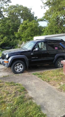 Jeep - Liberty sport - 2003. CASH ONLY