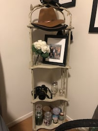Shabby chic rod iron shelf  Santa Barbara, 93101