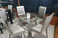 round glass top table with four chairs dining set Franklin Park, 60131