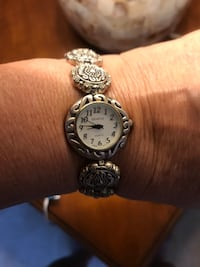 Silver  Detailed Bracelet Watch Cathedral City, 92234