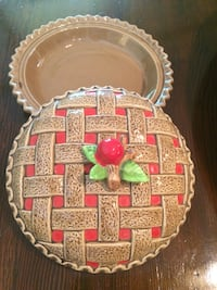 Ceramic pie plate with cover 9 in Covington, 70435