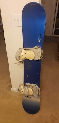 Salomon Unibody 400fr Blue and white snowboard with bindings Woodbridge, 22192