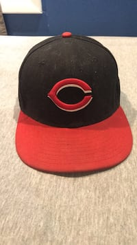 black and red snapback cap New York, 10308