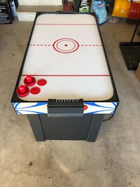 white and blue air hockey table Whitby, L1P 1P2