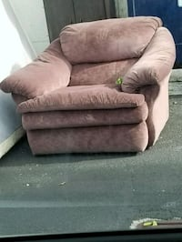 brown suede recliner sofa chair Miami, 33133