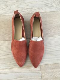 Brand new Frank and Oak suede loafers, size 6 Toronto, M6E 4G2