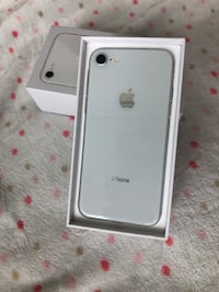 Unlocked iPhone 8 - 11 months warranty  Mississauga, L5B