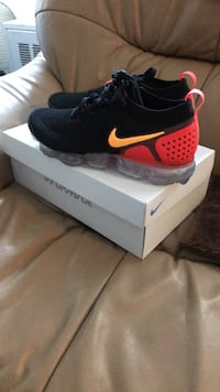 BRAND NEW NIKE AIR CAPOR MAX FLYKNIT 2 Inwood, 11096