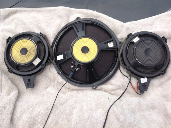 Bose Car Speakers >> Used Bose Car Speakers Two Front Door 1 Rear Deck 1 For Sale In