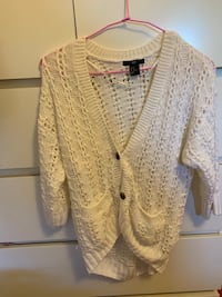 Small size sweater brand new Vancouver, V5R 2P9