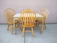 Solid Wood Dining Table & 4 Chairs (comedor/sillas)