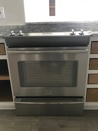 Frigidaire Oven/Stove