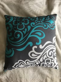 Bouclair Throw Pillow Ottawa, K2J 5Z5