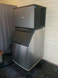 Manitowoc ice machine with 700lbs bin Biloxi, 39532