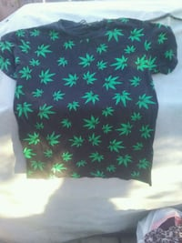 green and black floral crew-neck shirt Calgary, T2B 2C7