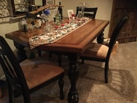 Rectangular brown wooden dining table Frederick, 21701