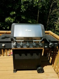 Brinkman 5 burner gas grill with side burner Dallas, 30157