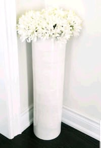 Ivory Décor Vase with faux flowers