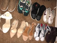 Women's assorted pairs of shoes Kansas City, 64130