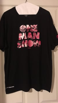 Black and red crew-neck t-shirt