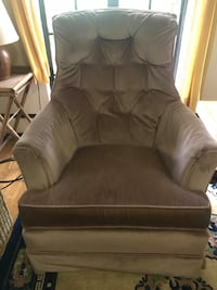 Upholstered rocker, good condition Washington, 20012