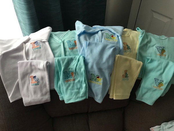 Baby outfits x 5 (Days of the week in Spanish)