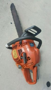 HUSQVARNA 445 gas chain saw runs good leaks gas Largo, 33771