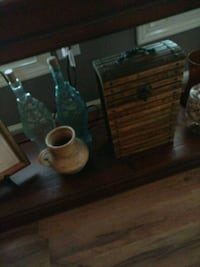 Nice wooden box and different glass bottles Statesville, 28625