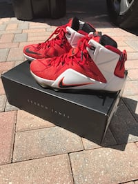 Lebron Nike - Size 8.5 for $90 Originally paid for $200 - Great condition! Wellington, 33449