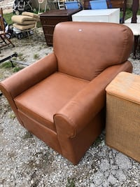 Shelby Williams real leather chair Huntsville, 35801
