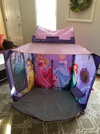 Pop up Disney Princess tent with removable towers  North Attleboro, 02760