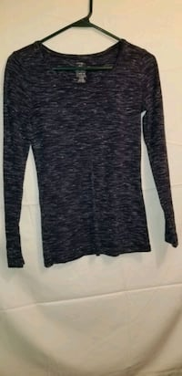 WOMEN'S SHIRT SIZE SMALL  Winnipeg, R3C 1C4