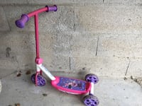 Purple and Pink Minnie Mouse kick scooter