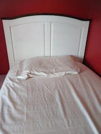 Twin bed with matrice