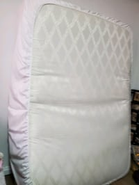 Like new double mattress  Toronto, M3M 1R8
