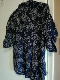 black and white floral v-neck shirt Niagara Falls, L2G 7M6