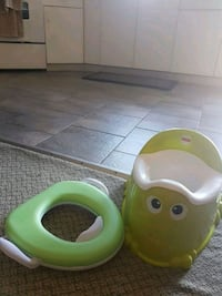 Potty trainer seat set barely used Surrey, V3T 5N3