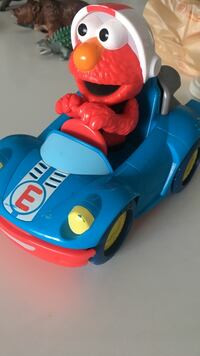 Elmo push and go race car DRIVES AND TALKS! Mississauga, L5B 3W3
