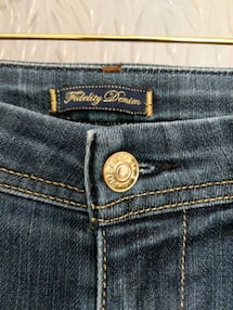 Women Fidelity denim jeans size 26 asking $35 worth $200