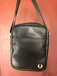 Fred Perry Messenger Bag Los Angeles, 90044
