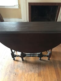 Wood table Malverne, 11565