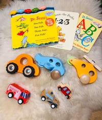Wooden toy and book lot Toronto, M3B 3R7