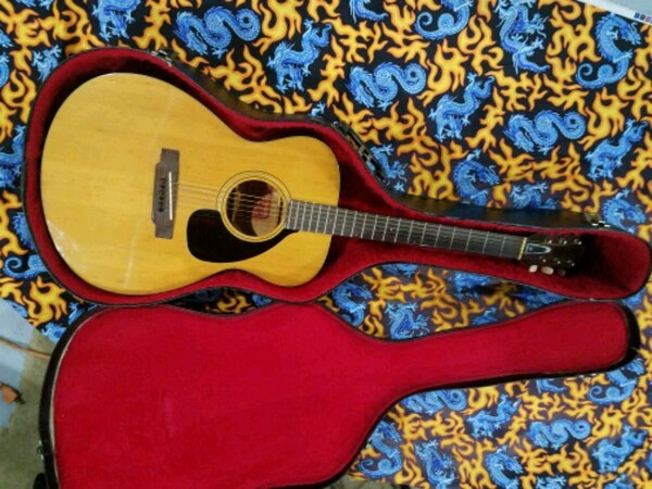 Yamaha, vintage, RED LABEL,  fg110 acoustic  with hard she'll case.  bb7a95ea-6aa6-4132-8fba-2a134eb864d7