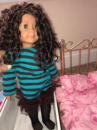 American Girl doll with brass bed Franklin, 37064