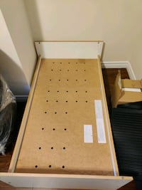 Toddler bed and mattress Mississauga, L5N