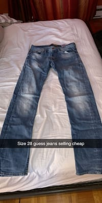 Size 28 guess jeans  Pointe-Claire, H9R 0A8