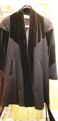 WOMENS BLACK WOOL COAT VELVET TRIM-LARGE Lehigh County