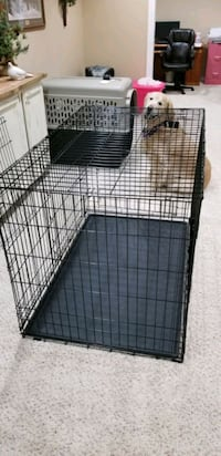 Dog Crate XL steel  with inside divider. Great condition!