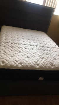 Quilted white and gray mattress Mississauga, L5A 3X3